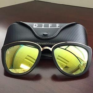 Diff Eyewear | Mirrored Rose Cat Eye Sunglasses